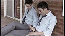 Gay mamando no safado colega de trabalho