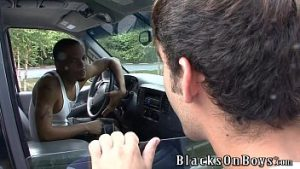 Paquerando um homem negro e caindo na rola