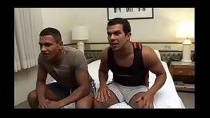 Brasileirinhos gay se comendo após partida de futebol