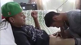 Comendo boy safadinho no porno amador gemendo